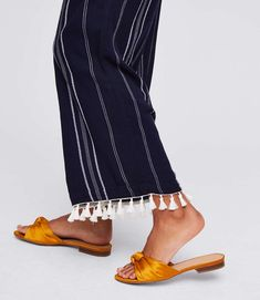 These striped cropped pants are in a permanent vacation chic kind of mind