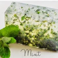 homemade soap from spare ingredients in the fridge Handmade Soap Recipes, Face Hair, Beauty Recipe, Home Made Soap, Soap Making, Diy And Crafts, Mint, Homemade, Ethnic Recipes
