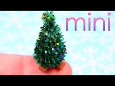 diy mini Christmas tree - interesting method with twined pipe cleaners