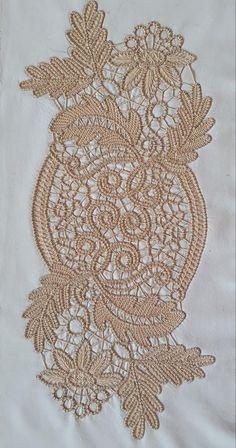 Filet Crochet, Crochet Lace, Romanian Lace, Point Lace, Snowflake Pattern, Tatting Patterns, Needle Lace, Lace Making, Lace Flowers