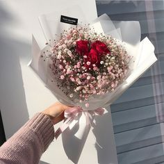 flowers aesthetic Image about beautiful in Gifts Boquette Flowers, Luxury Flowers, My Flower, Dried Flowers, Planting Flowers, Beautiful Flowers, Bouquet Of Flowers, Gift Flowers, Red Rose Bouquet