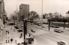 Av. Paulista 1976 Esquina Pamplona - Esq. construção Fiesp - Dir. construção Bco Tokyo e Bco Real