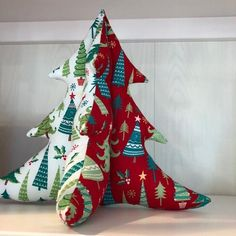How to Make Fat Quarter Stuffed Christmas Trees Christmas Sewing Projects My Sewing Box Sewing Box, Love Sewing, Sewing Hacks, Sewing Tutorials, Sewing Tips, Sewing Crafts, Fat Quarters, Christmas Sewing Projects, Christmas Sewing Gifts