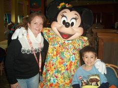 Corbin, Mommy and Minnie Mouse :-) Best Family Cruises, Mickey Mouse, Disney Characters, Fictional Characters, Fantasy Characters, Baby Mouse