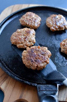Start your morning with these amazing homemade Syn Free Pork Sausage Breakfast Patties - super easy to make, but with a delicious taste. Food Trucks, Tortellini, Sausage Breakfast, Breakfast Recipes, Pork Sausage Recipes, Slimming World Breakfast, Slimming World Recipes Syn Free, Sandwiches, Slimming Eats