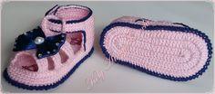 Sandalinha verão Simplesmente linda    Material 100% algodão linha ANNE da CIRCULO  Cor da foto :ROSA com detalhes em AZUL MARINHO,.       Uma ótima opção para presentear o bebê de uma amiga, ou seu próprio bebezinho.         ESTE MODELO SÓ PODE SER FEITO NOS TAMANHOS INFORMADO NA TABELA ABAIXO  ...