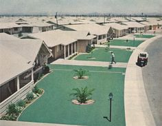promised Suburban Utopia, buy a lot with a house, commute to the city, average children and live the dream. Craftsman Ranch, Suburban House, Ranch House Plans, Retro Futurism, Mid Century House, Ranch Style, Mid Century Design, Old Photos, Decoration