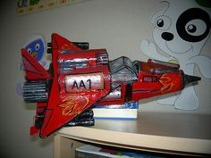 TRANSBORDADOR AA1 - Juguete realizado con materiales reciclados - Técnica Cartapesta - Idea extraída Revista Art Attack