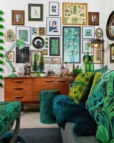 Amanda Cotton of HouseLust. A Colourful, Victorian Home Renovation A Colourful Victorian Terrace Amanda Cotton of HouseLust. A Colourful, Victorian Home Renovation Green Sofa, Green Walls, Deco Design, Home And Deco, Eclectic Decor, Eclectic Gallery Wall, Eclectic Taste, Modern Decor, My New Room