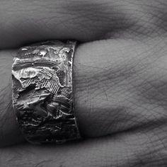 | OPEN SHOWROOM| 16-20H cinta canibal | 925 BA| Info & direccion| info@oss-oss.com | #ossworldwide #dark #darkstyle #darkwear #artisian #silver #handmade #jewellery #blackwhite #menjewellery #detail #artisian #handmadejewellery #avantgardefashion #drkshdw #silverringoss_haus