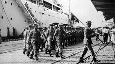 Soldados do Exército Português chegam a Luanda, depois dos primeiros ataques no norte de Angola, perpetrados pela União das Populações de Angola (UPA) em 1961