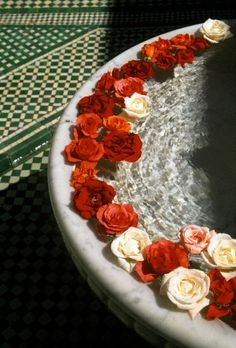 Morocco, High Atlas, Marrakech, Imperial City, fountain in the patio of La Mamounia Hotel