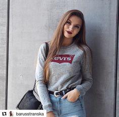Sledujte nás i na instagramu! New Underwear, Calvin Klein Jeans, Lacoste, Girly Things, Hollister, Fashion Brands, Tommy Hilfiger, Graphic Sweatshirt, Style Inspiration