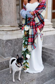If you're planning a winter wedding (the best!) and including your dog (even better!!), you might want to give your dog a fancy leash for the big day. | Here's How To Make A Floral Dog Leash For A Winter Wedding