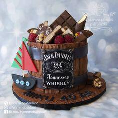 Gratulerer med dagen Miku! . . .  #fondantcakes #mancake #whiskeycake #barrelcake #jackdaniels #jackdanielswhiskey #jackdanielscake #godterikake #norge #norway #boat #boadlife #sail #sailing #sailinglove #chocolatecake #cakeinspiration #birthdaycake #40yearsold #40år #40s #yummyfood #yummychallenge #instacakes #instagramhub #thecakemagazine #renshawfondant Jack Daniels, Norway, Whiskey, Sailing, Birthday Cake, Boat, Desserts, Whisky, Candle