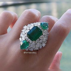 Luxurious Emerald and Diamond ring #SamraJewellery
