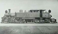 Locomotora Kitson Meyer, de construccion Inglesa recien llegada a Chile, para servir en el Ferrocarril Trasandino de Chile, Maestranza de Los Andes, año 1909.