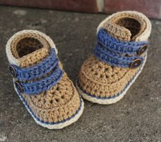baby boys bootees crochet pattern Shoes Cairo Boots von Inventorium
