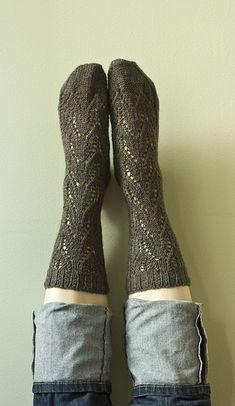 Radagast Socks by Virginia Sattler-Reimer - free Crochet Socks Pattern, Knit Or Crochet, Knitting Patterns Free, Free Pattern, Knitting Socks, Hand Knitting, Knit Socks, Lots Of Socks, Little Cotton Rabbits