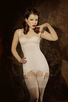 Kiss Me Deadly Vargas Dress in White