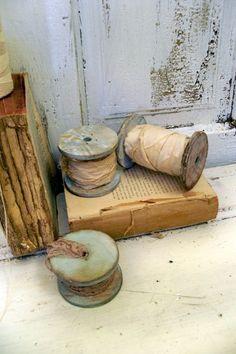 Distressed wooden spools farmhouse shelf by AnitaSperoDesign, $25.00