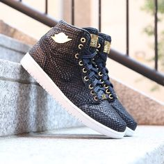 sports shoes f2e84 98789 Nike Air Jordan 1 Pinnacle Spring Fashion, Runway Fashion, Fashion Models,  Fashion Tips