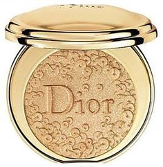 Dior Holiday 2016 Diorific Illuminating Face Powder - Splendor No. Dior Makeup, Beauty Makeup, Mac Makeup, Makeup Geek, Makeup Cosmetics, Makeup Brushes, Best Highlighter, Tom Ford Makeup, Cute Makeup