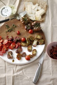 Always With Butter: Heirloom Tomato & Cheese Pizza