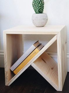 Bedroom - DIY and design Nightstand / Modern table / Modern side table Contemporary Side Tables, Modern Side Table, Contemporary Home Decor, Geometric Side Table, Modern Wall, Modern Decor, Furniture Projects, Modern Furniture, Furniture Stores