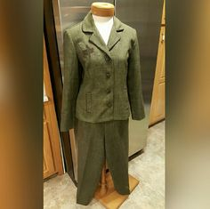 Sag Harbor 2 pc Suit Size 8 Sag Harbor 2 pc Suit Size 8  Beautiful dark green color.  Both jacket and pants are in excellent condition.   The body is 100% polyester the trimmings are 97% polyester and 3% spandex.  feel free to ask any questions before purchasing. Thank you for shopping my closet! Sag Harbor Other