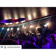 #CoolPhoto ! #ChampagneProcession #MaddoxClub  #Repost @aurora.pizarro ・・・ First night in London