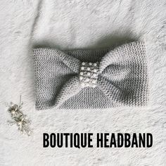 Boutique Pearl Headband Gorgeous headband for any occasion, bought at a boutique so cute ✨ only worn a couple times! Boutique Accessories Hair Accessories