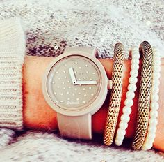I Love Jewelry, Jewelry Design, Arm Party, Stylish Watches, Fashion Bags, Swatch, Jewelry Watches, Wrist Watches, My Style