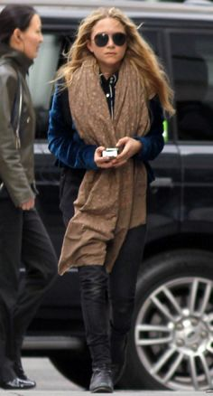 look of the day: scarf - marykateolsen