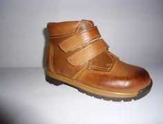 Sapato de criança para venda todo em pele, se estiver interessado comente por favor :)
