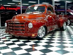 My Dad had a Studebaker truck when I was about 3 or 4 years old. Loved sitting on his lap and holding on to the steering wheel. I would love to have this truck. Old Pickup Trucks, Hot Rod Trucks, Cool Trucks, Chevy Trucks, Cool Cars, Pickup Camper, Jeep Pickup, Lifted Trucks, Custom Trucks