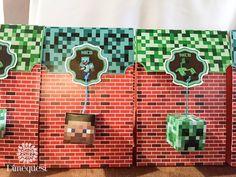 Increíble Candy bar con temática de Minecraft. Un mundo de detalles para el cumpleaños De Nicolás! ...