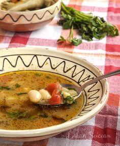ciorba de fasole boabe de post Romanian Food, Thai Red Curry, Cooking Recipes, Baking, Ethnic Recipes, Soups, Chef Recipes, Cooking, Food Recipes