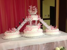 Quinceañera Cake Lily Bouquet Wedding, Wedding Cake Roses, Elegant Wedding Cakes, Wedding Cake Designs, Wedding Cake Toppers, Extreme Wedding Cakes, Clotted Cream Recipes, Fountain Wedding Cakes, Quince Cakes