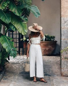 Summer Street Style – 34 Ideas and suggestions for the most stylish summer outfits - Outfit Styles Style Outfits, Summer Outfits, Fashion Outfits, Fashion Tips, Fashion Trends, Outfit Styles, Cute Casual Outfits, Pretty Outfits, Fashion Ideas