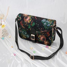 b4619963ff Fashion Women Lady Shoulder Bag PU Leather Floral Print Crossbody Messenger  Bag Red Black (20cm