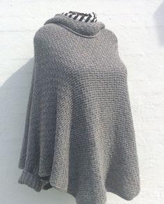 Størrelse: onesize  Længe: 70 cm  Garn: lammeuld med løbelængde på 550 meter/100 gram (strikket med 2 tråde)  Pind: 5 mm