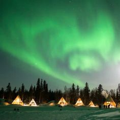 7 amazing places to see the Northern Lights in EuropeWant to see the Northern Lights in Europe? Dreaming of the Aurora Borealis twinkling overhead? Here are SEVEN amazing European destinations with great chances to see the Northern Lights Northern Lights From Space, Northern Lights Scotland, Northern Lights Video, Northern Lights Finland, Northern Lights Hotel, Northern Lights Tattoo, Northern Lights Wallpaper, Aurora Sky, Canada Pictures