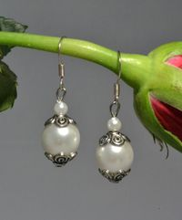 """""""Königliche Ohrringe"""" - Weiße Perlenohrringe in edlem Design! - (Perlenschmuck) aus unserem Dawandashop: www.schmuck-mg.com"""
