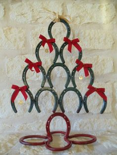 "horseshoe tree....take away the Christmas feel, and make it ""normal"" decor for my Shayla's room! Might be good for Hats, jewlery ect....."