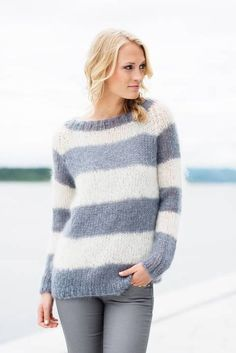Knitwear, leather and fur fashion Sweater Knitting Patterns, Knit Patterns, Free Knitting, Knitwear Fashion, Fur Fashion, Mohair Sweater, Pulls, Knitting Projects, Knit Crochet