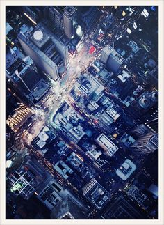 Collectionnant les séries photo aux quatre coins du globe, c'est à New York que la cover girl du numéro de février de Vogue Paris retrouve son home sweet home. A partir du 6 février sa ville préférée battra au rythme de la Fashion Week. L'occasion de demander à l'american girl aux yeux lagon de dévoiler ses adresses capitales. Des endroits simplement précieux à ajouter à votre carnet d'adresses avant le départ.