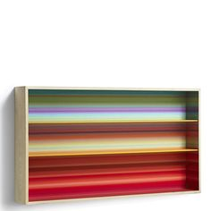 Libreria Color Fall a parete, stampa interna multicolor e struttura in legno di frassino. Scoprila su vendoarredo.com