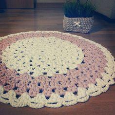 Trapillo on pinterest ganchillo crochet rugs and tejido - Alfombra de trapillo cuadrada ...