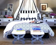Black and white is such a bold, classic color combo. The touch of blue tones it down and makes it very soothing.